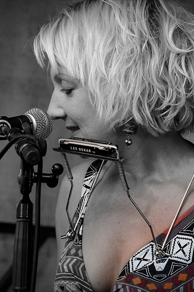 Lee Oskar Harmonicas - Featured Artist Sofie Reed
